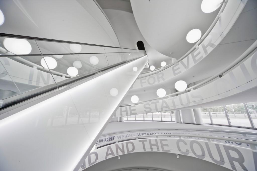 Eva Plass: BMW Museum – Visuelle Identität, Ausstellungsgrafik / bei Integral Ruedi Baur Zürich / 2008