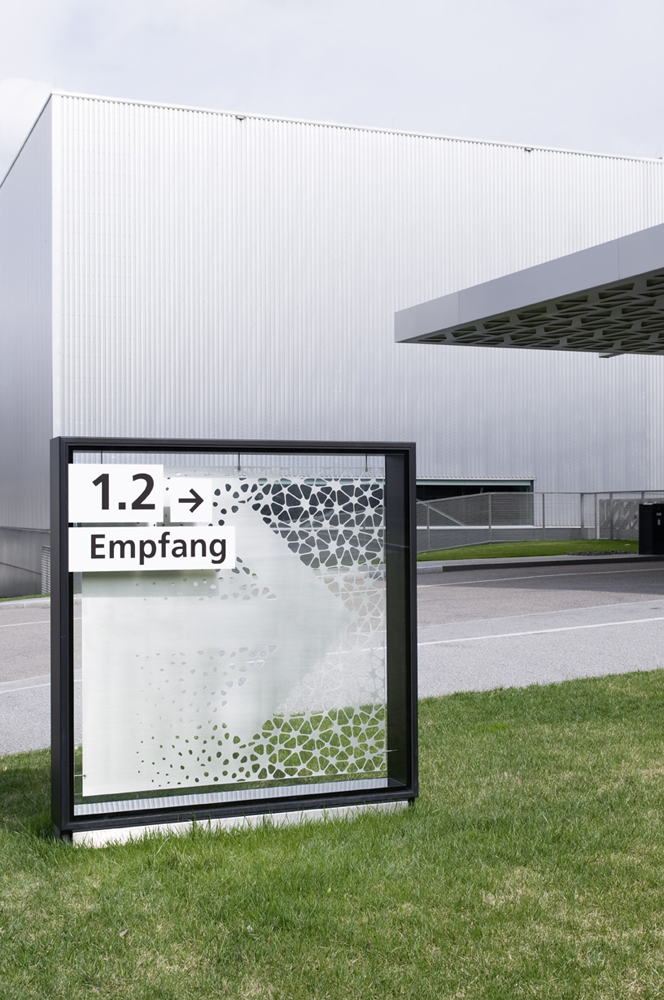 Eva Plass: <strong>Trumpf</strong><br> – Orientierungssystem / bei Integral Ruedi Baur Zürich