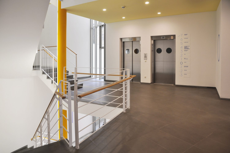 Eva Plass: <strong>Alexander Wacker Haus München</strong><br> – Signaletik Office / 2016