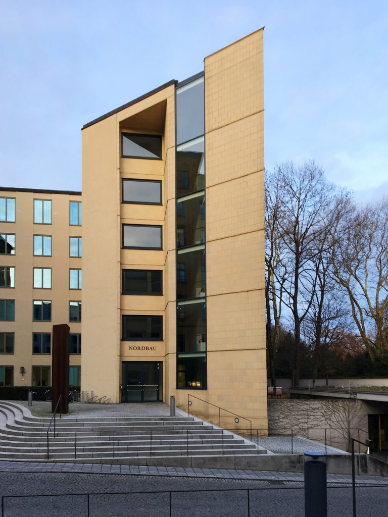 Eva Plass: Maximilianeum Bayerischer Landtag München – Signaletik / Besucherleitsystem